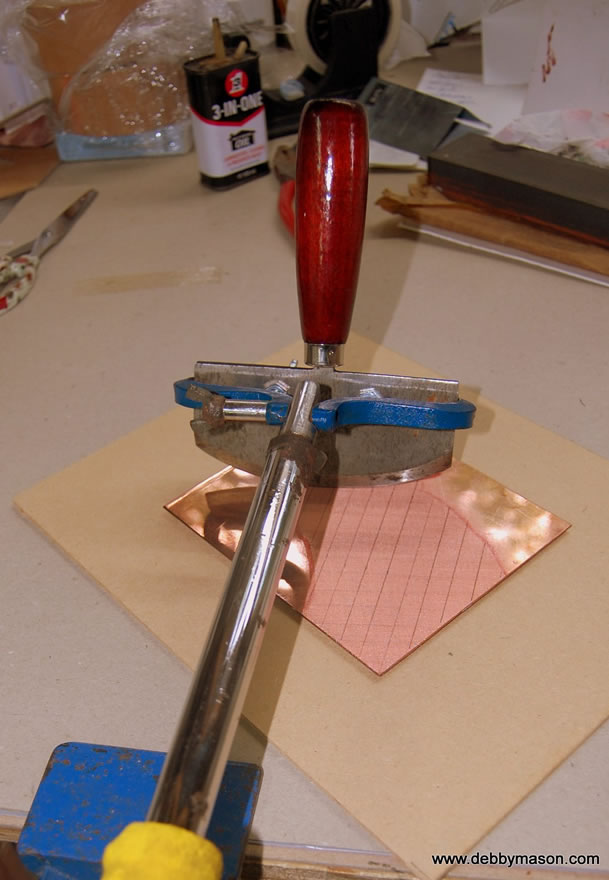 The Mezzotint rocker clamps on to a rocking pole to ease the process